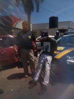 Perseguição da PRF, prende homem com carro cheio de Drogas em Registro-SP