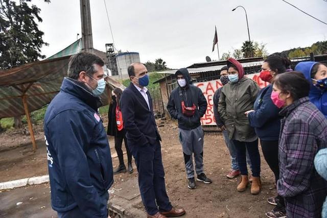 Minvu y MDS inician operativo nacional para inscripción de familias de campamentos en Registro Social de Hogares