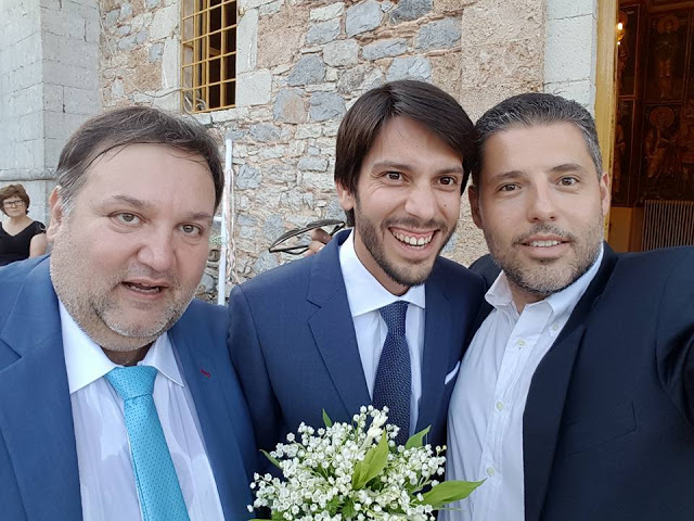Κουμπάρος ο  Τ. Χειβιδόπουλος στο γάμο του Βαγγέλη Δανέζη στη Καρυά