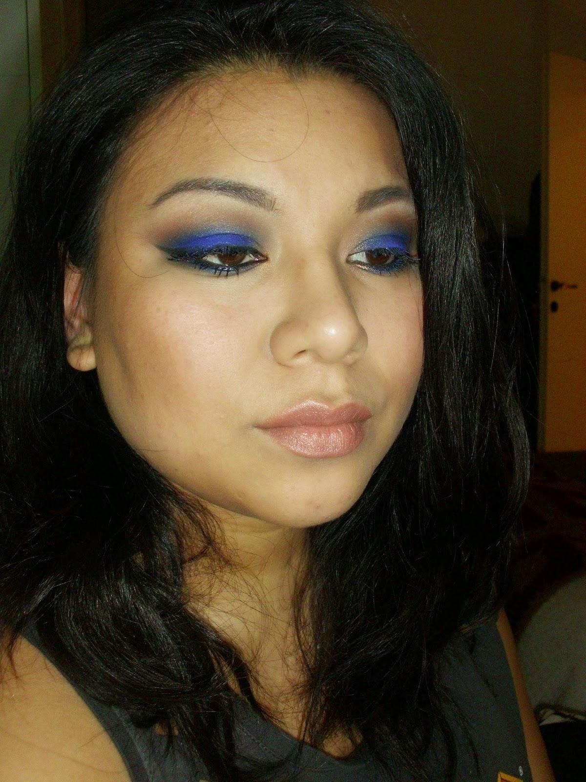 Blu smokey eye