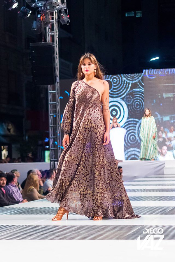 MODA LOOK PRIMAVERA VERANO 2017 | Vestidos de fiesta, túnicas y monos primavera verano 2017 by Diego Vaz | Moda 2017.