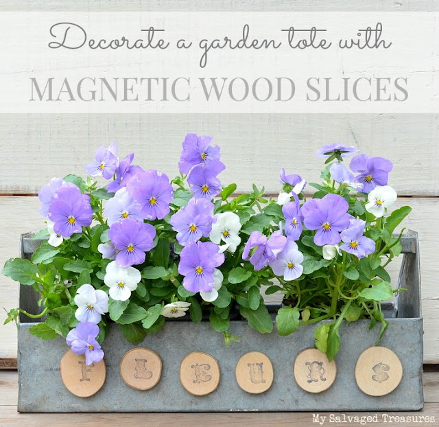 decorate a garden tote with wood slices - create a new sign with an old tool