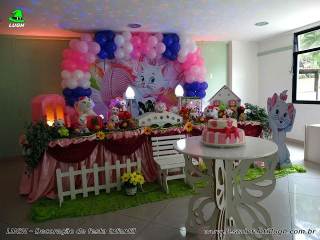 Decoração de festa infantil tema da Gata Marie para aniversário de meninas realizado na Barra da Tijuca - RJ