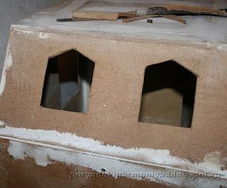 кукольный домик шаг за шагом, как сделать мансардное окошко в кукольном домике,этапы строительства кукольного домика