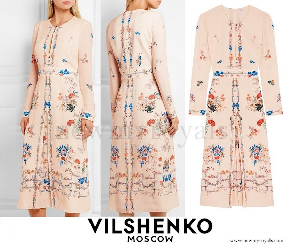 Crown Princess Mary wore VILSHENKO Jerry Floral Print Silk Crepe de Chine Dress