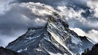Montaña Gangkar Punsum
