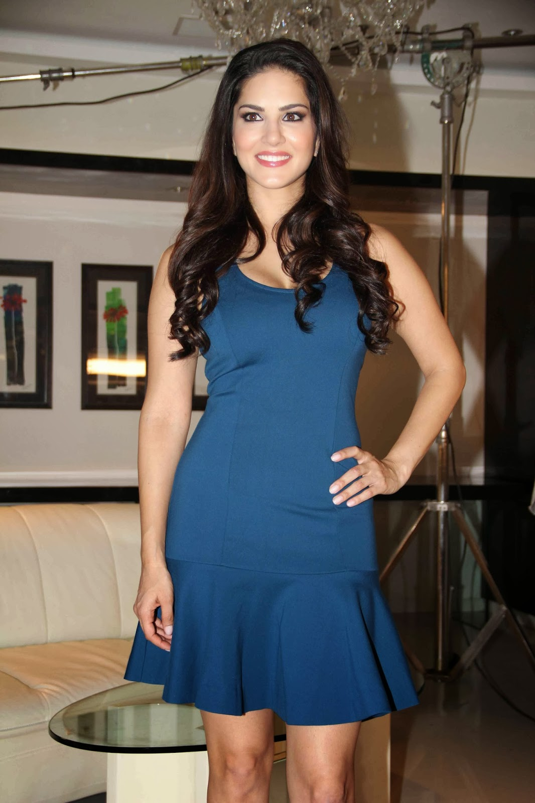Tamilcinestuff   Sunny Leone Photos In Short Dress At -6457