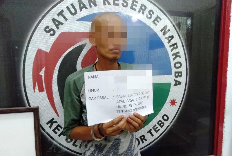 Pedagang Bakso Nyambi Jual Narkotika, 13 Paket Sabu Diamankan Polisi