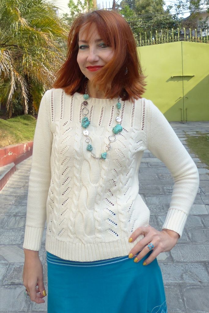 Beige cotton sweater, turquoise necklace