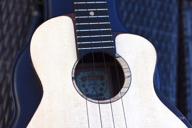 aNueNue UT200 Moon Bird Ukulele sound hole