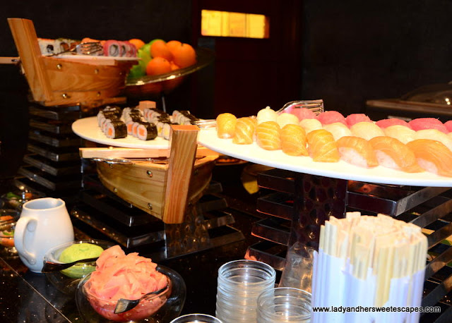 Oberoi Street Art Brunch sushi station
