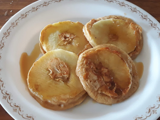 Little Lazy Apple Pancakes
