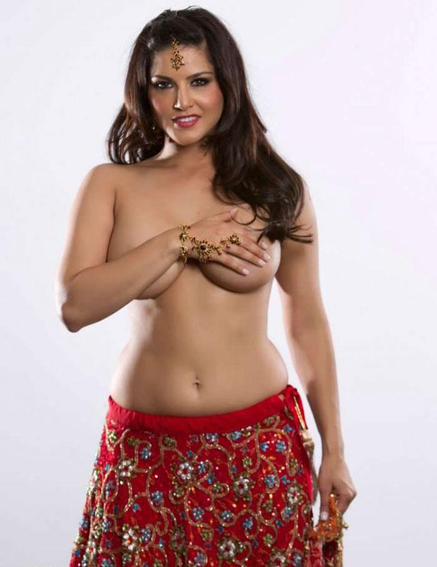 Hot Sunny Leone in Bikini