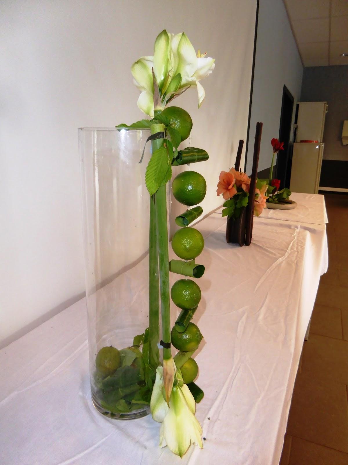 atelier d 39 art floral la d tente variations modernes avec des amaryllis. Black Bedroom Furniture Sets. Home Design Ideas