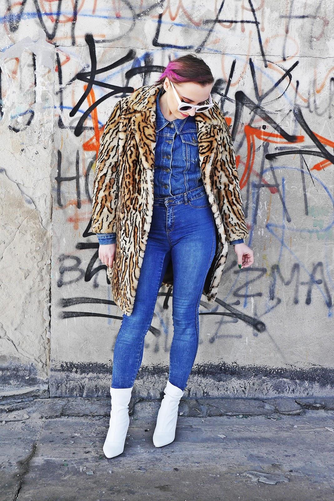 3_renee_biale_botki_futerko_w_panterke_jeansowe_spodnie_180318sd