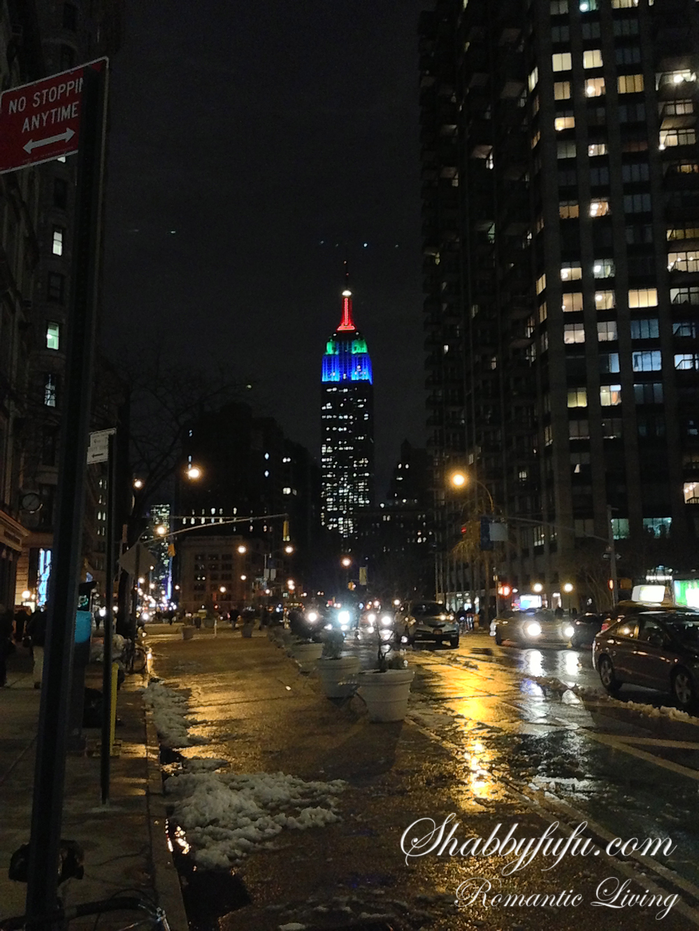 night view of the empire state building