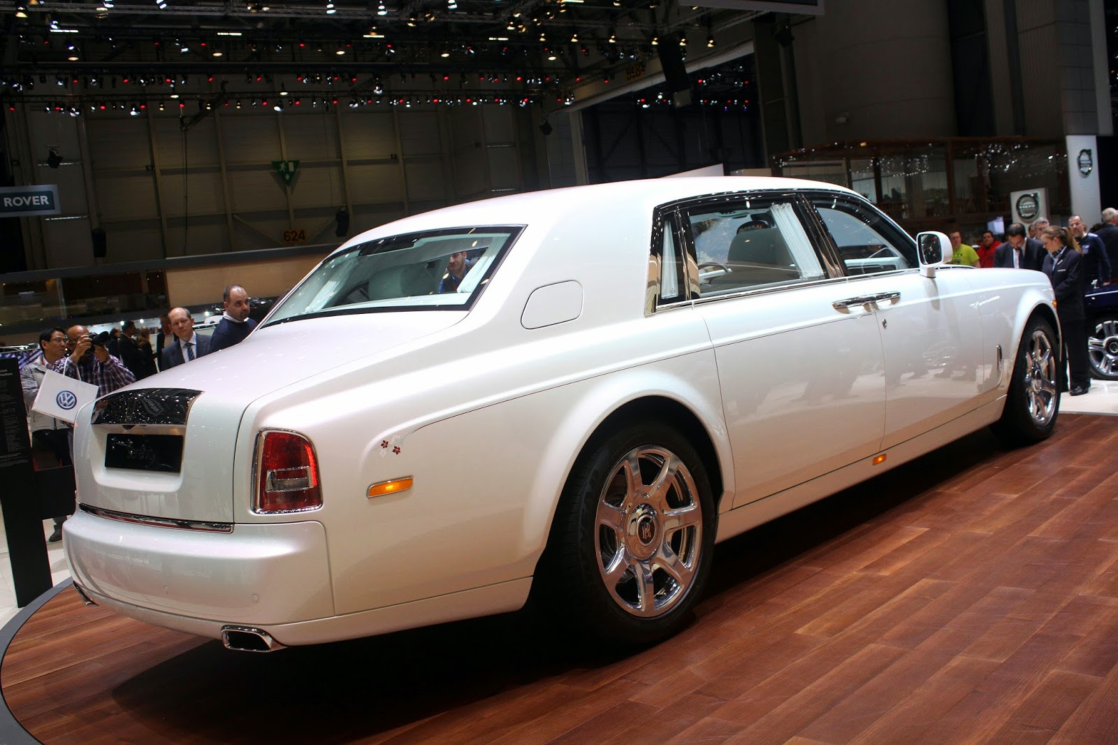 Phantom Serenity Automotiveblogz Rolls Royce Phantom Serenity Geneva 2015