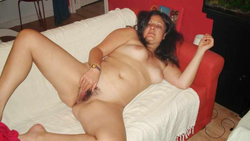 desi punjab aurat fingering her nude chut pusssy image