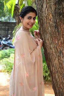leona lishoy at edureetha teaser launch 5
