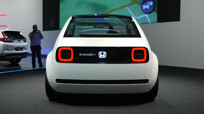 Honda Urban EV Concept rear view