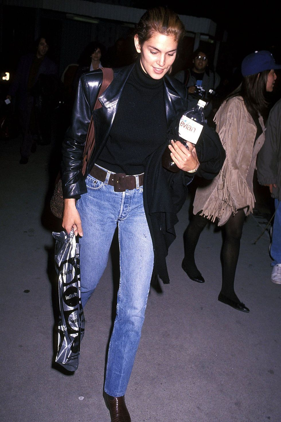 Cindy Crawford's 90s Model-Off-Duty Look is Totally On Trend Today