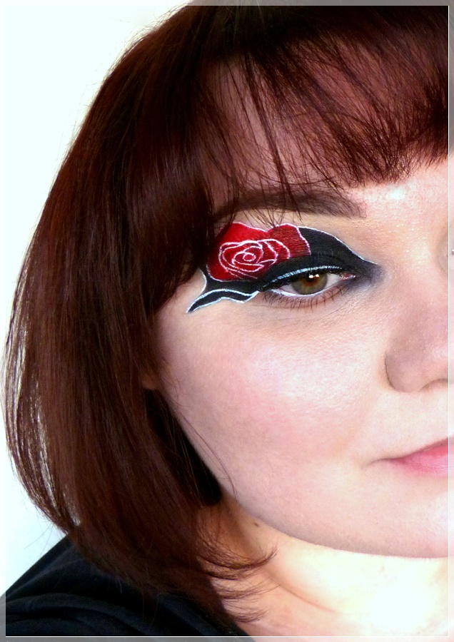 kreatives Make Up mit Rose