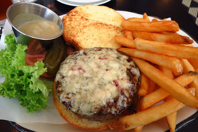 Black Tap, steak au poivre burger