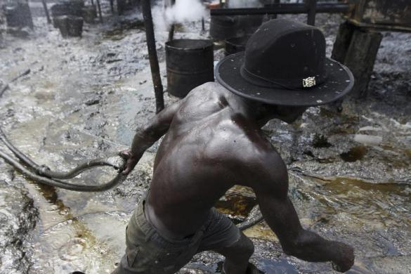 Shell Exposes World's Largest Illegal Oil Refinery In