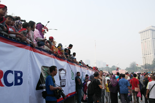 merdeka day crowd