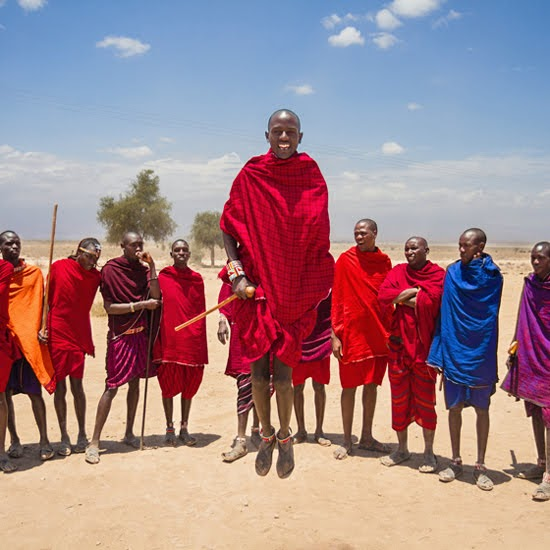 Safari Fusion blog | Jump, jump | Maasai by photographer Richard Rhee