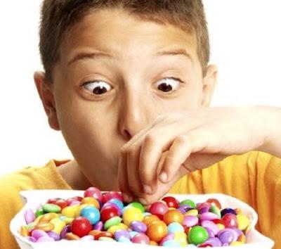 Chế độ ăn nhiều tinh bột, đường là nguyên nhân gây sâu răng