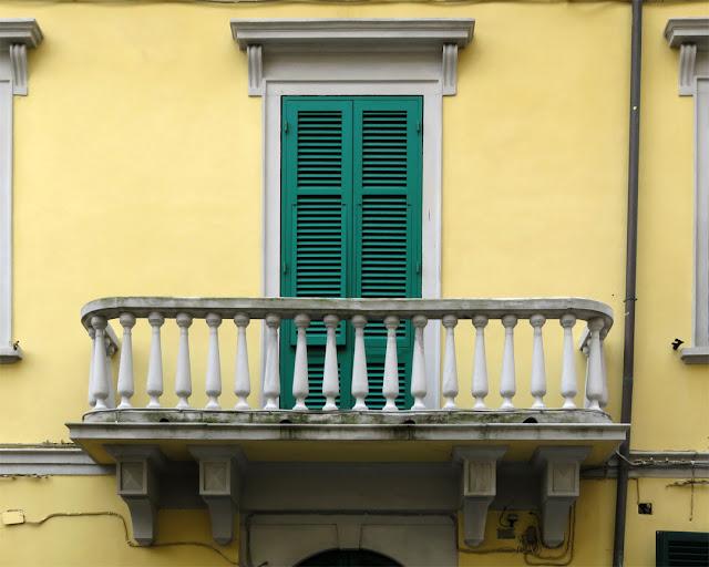 Balcony, Via della Maddalena, Livorno