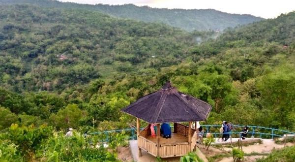 menikmati pemandangan gree village di gedangsari gunungkidul