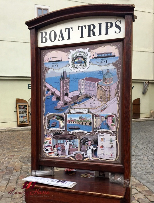 praha sightseeing prazske benatky valtava river cruise
