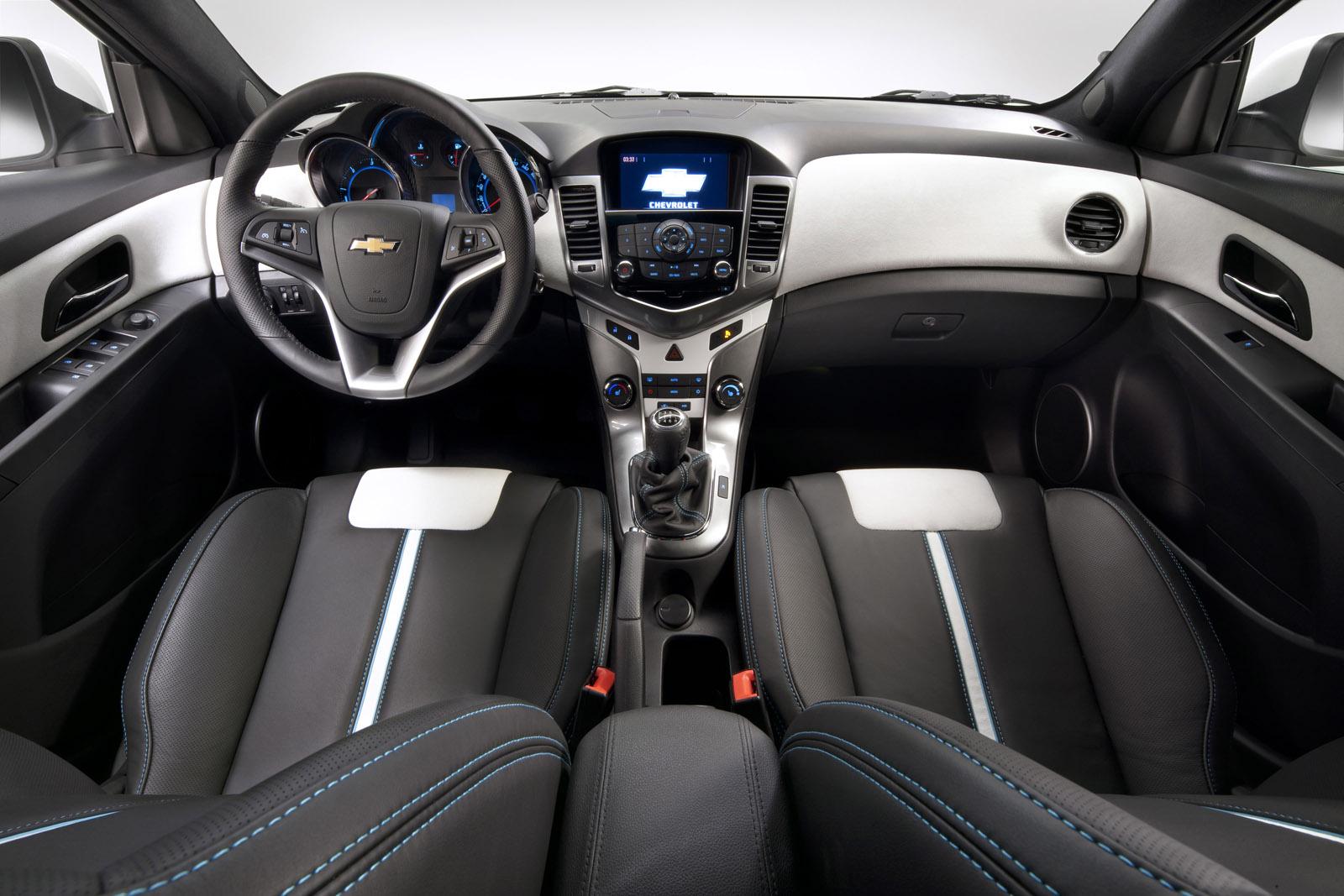Cruze 2012 chevy cruze interior : 2012 Chevrolet Cruze Hatchback review ~ Car Report Daily
