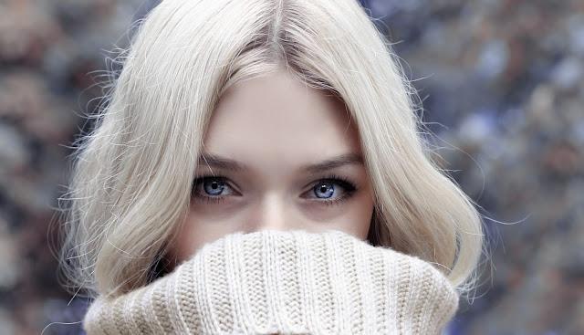 Referensi Tampil Modis dengan Sweater Wanita