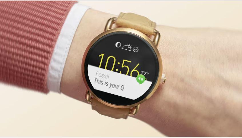 Modello e modella Fossil pubblicità Q Smartwatches, orologio android con Foto - Testimonial Spot Pubblicitario Fossil 2016