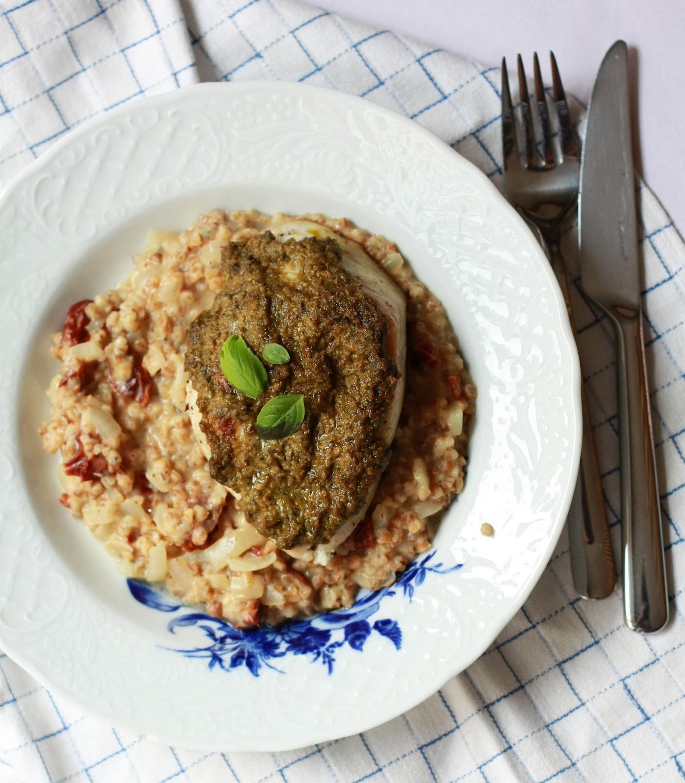 pestokana ja auraohratto resepti kana kanaruoka ohratto aurajuusto mallaspulla