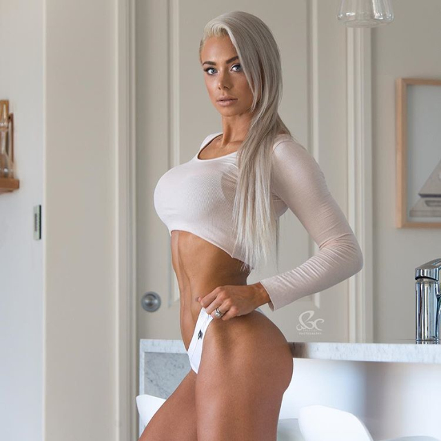 Fitness Models LAUREN SIMPSON WBFF Athlete