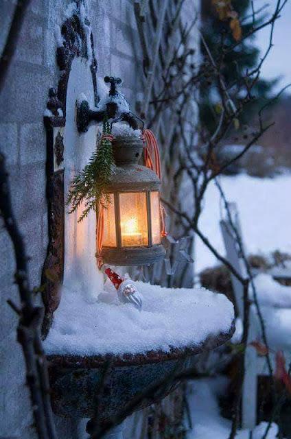 Αποτέλεσμα εικόνας για χριστουγεννα  χαρά αγκαλιά