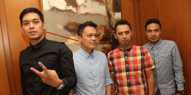Chord Ada Band Manusia Bodoh | Chord Update