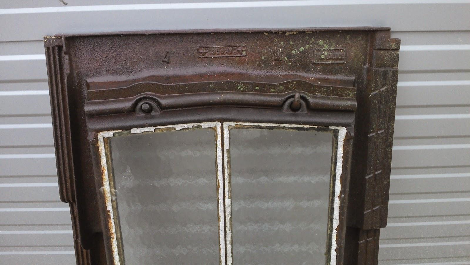 l ment d 39 architecture fen tre de toit tabati re fonte moul e 1900. Black Bedroom Furniture Sets. Home Design Ideas