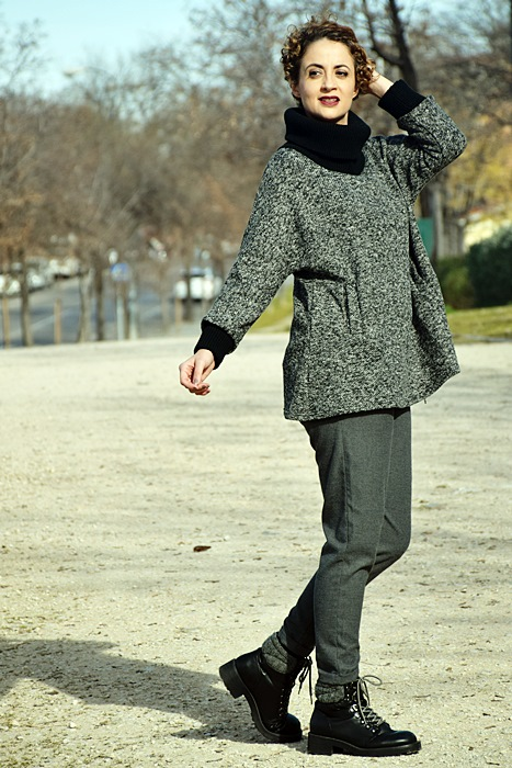 Outfit-Sudadera-Gris-shein-6