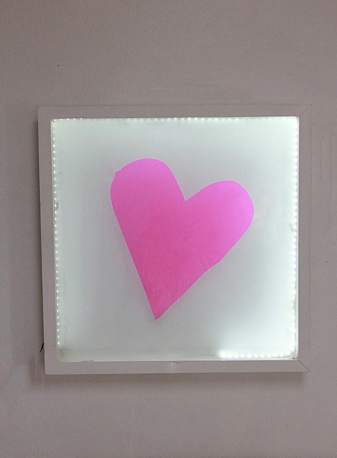 A bubbly life diy heart light art box for Diy light art