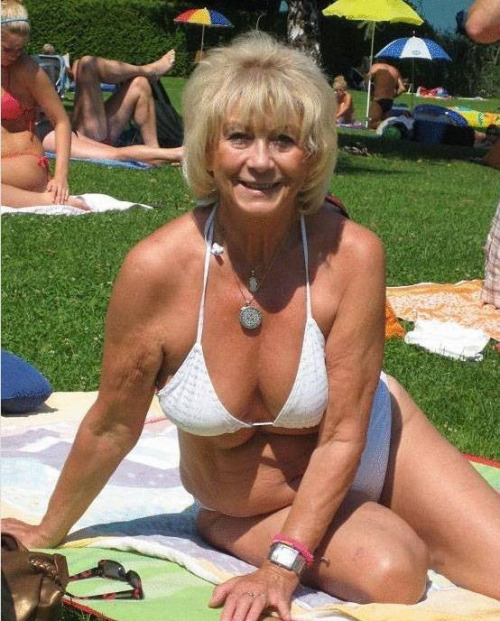 Hot Older Women Sex 78