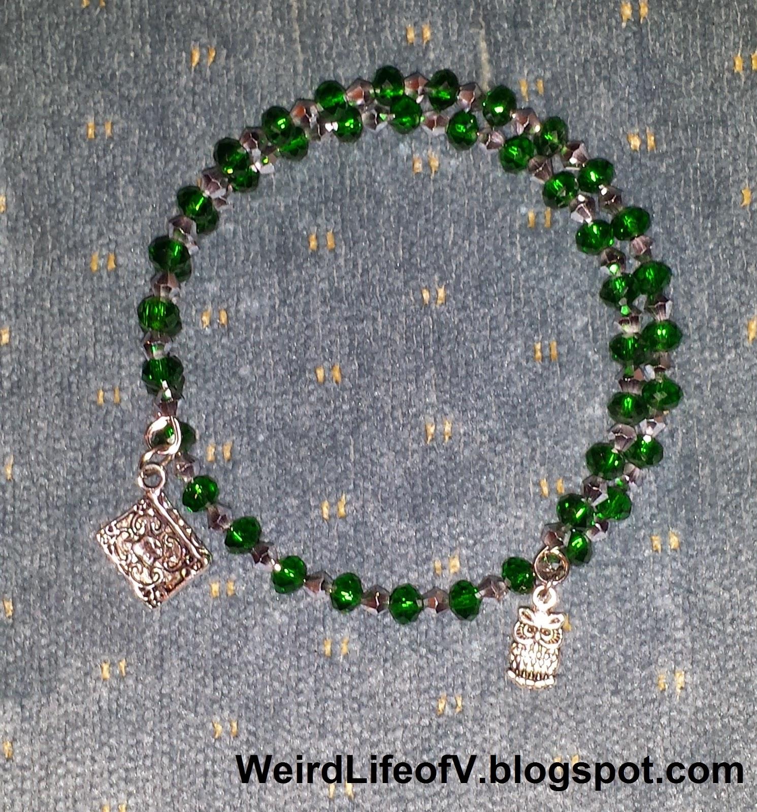 DIY: Harry Potter Slytherin inspired beaded memory wire bracelet