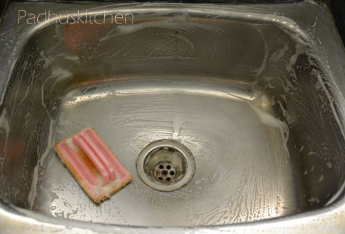 how to clean stainless steel kitchen sink