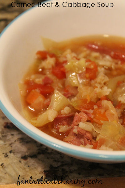 Corned Beef and Cabbage Soup // The classic combination of corned beef and cabbage made into a soup in the crockpot! #crockpot #cornedbeef #recipe #soup #stpatricksday