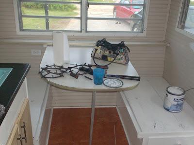 retaper une caravane prenons le temps. Black Bedroom Furniture Sets. Home Design Ideas