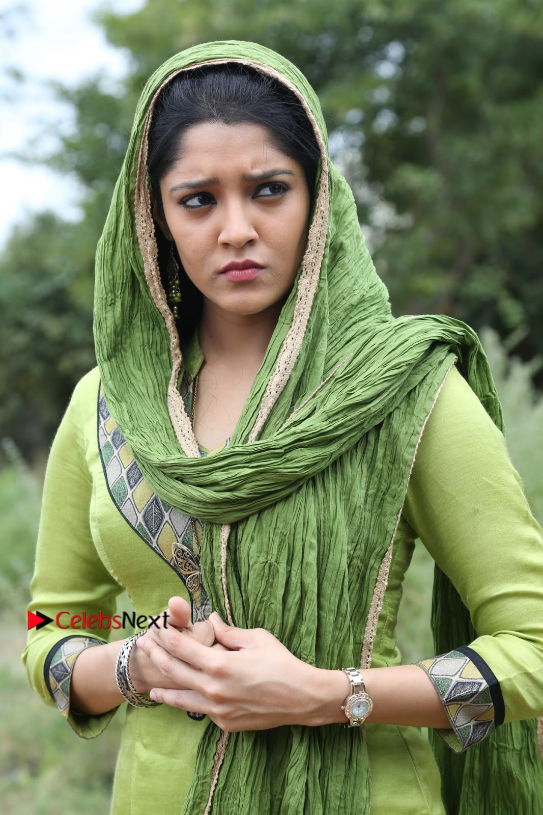 Raghava Lawrence Ritika Singh starring Shivalinga Movie Stills  0002.jpg